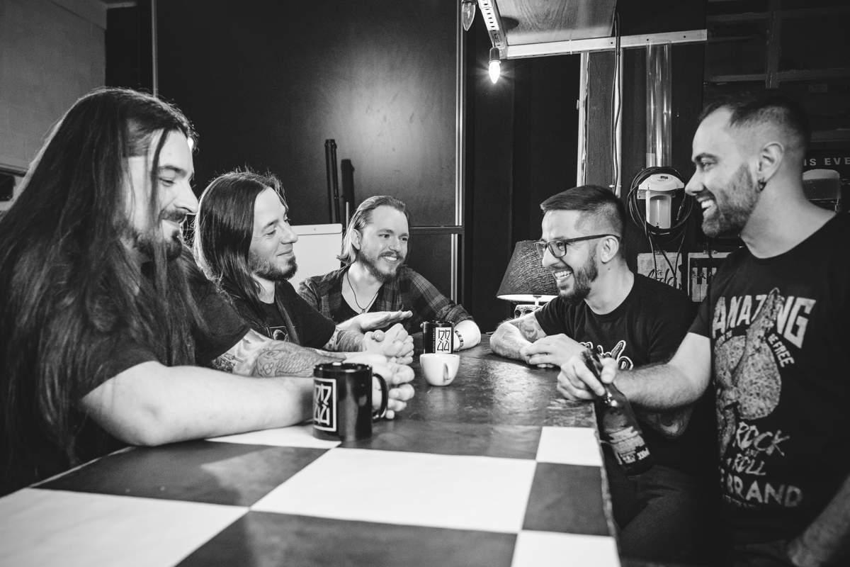 Banda gaúcha lança clipe com homenagens a lendas do Metal