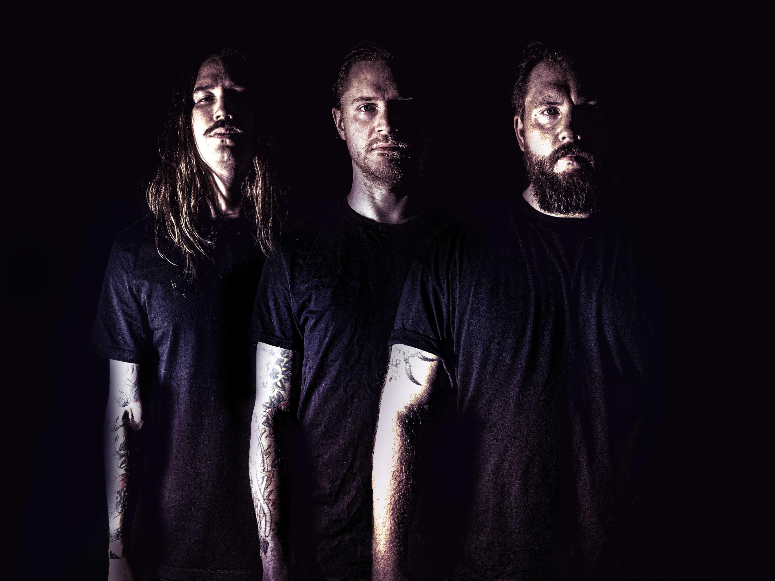 LEACH divulga detalhes do novo álbum com participação do Bjorn Strid do Soilwork