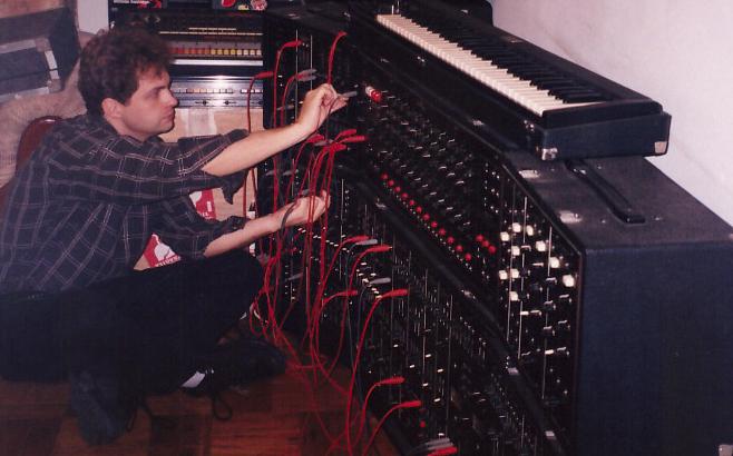 "Read more about the article Eloy Fritsch: Comemorando os 20 anos de lançamento do álbum ""Mythology"""