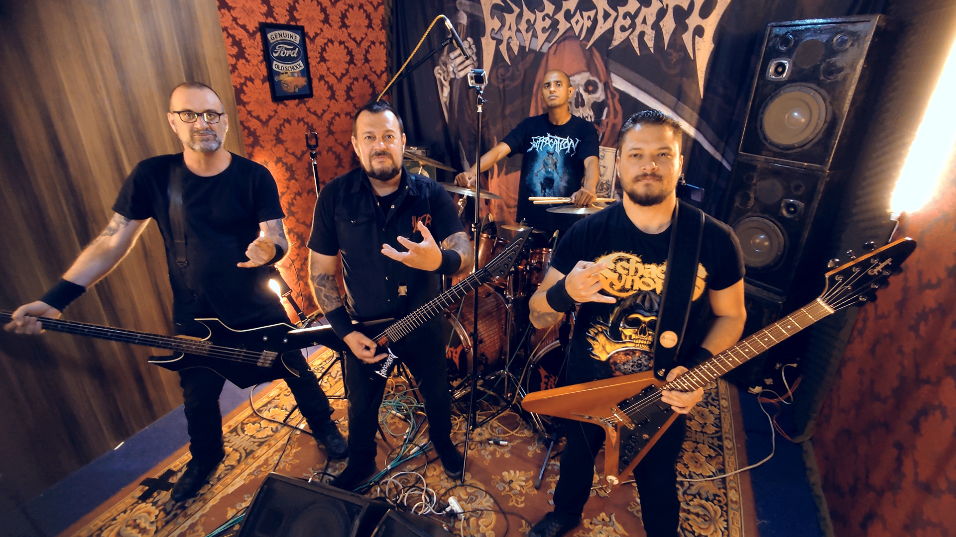 Read more about the article Faces of Death: confira a performance de 'Live Rehearsal – A Drink With The Death'