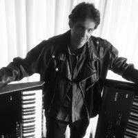 "ELOY FRITSCH: Álbum ""Behind the Walls of Imagination"" é relançado na Europa"